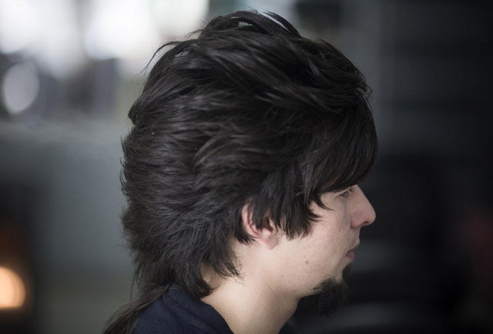 مدل موی تازه اصلاح شده یک جوان