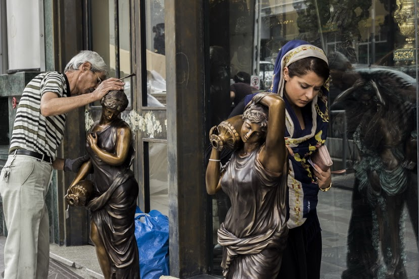 Mohammad Roodgoli - زن و مجسمه