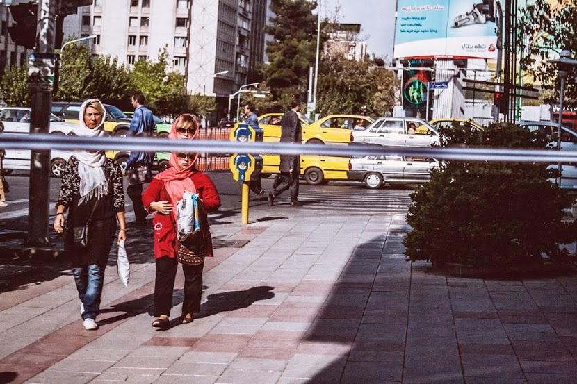 Mohammad Roodgoli - woman in Tehran street