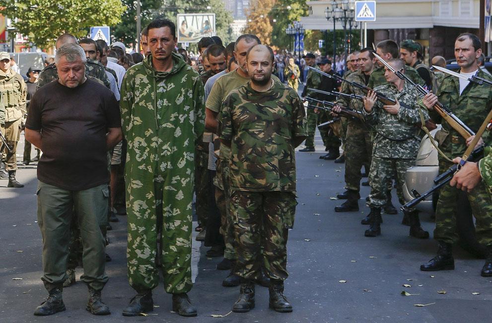 اسرای اوکرائینی در منطقه طرفداران ملحق شدن به روسیه