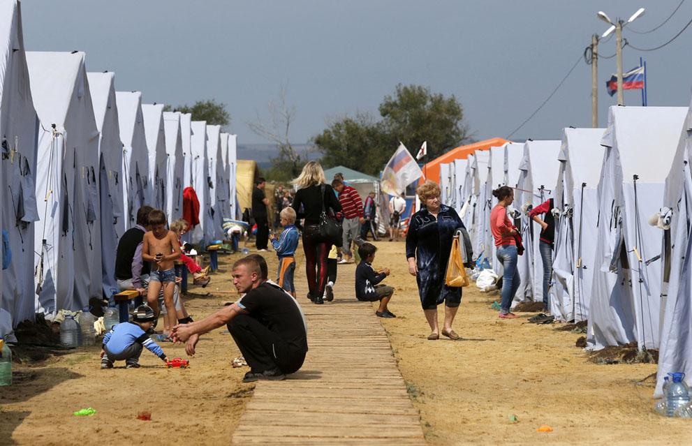 پناهندگان اوکرائینی به روسیه در کمپی نزدیک مرز