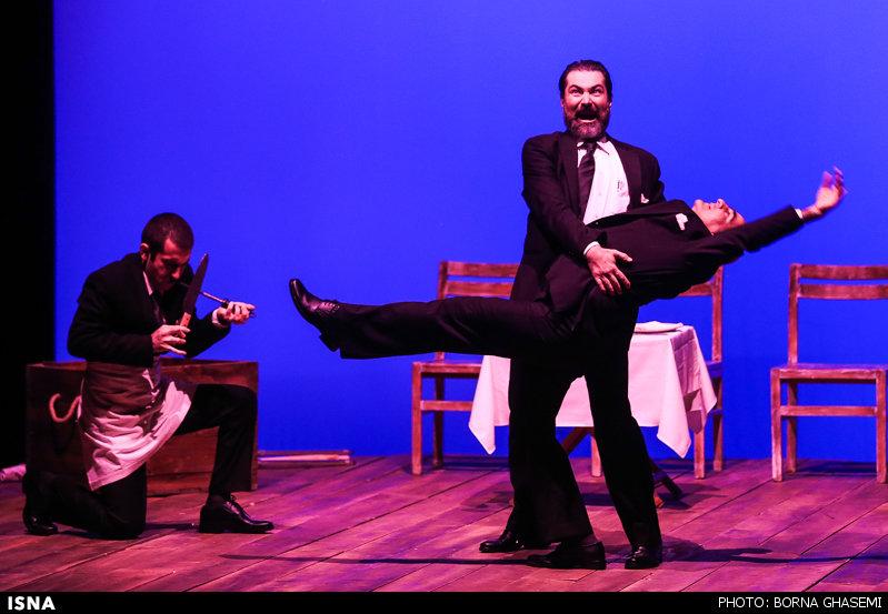 پارسا پیروزفر در ایرانشهر از این هفته نمایش « بر پهنه دریا» را به روی صحنه برده است. نمایشی که بنا به گفته سایت رسمی خانه هنرمندان با استقبال بسیار خوبی روبرو بوده است..