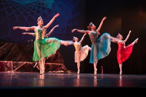 Dancers at the Tirgan Festival 2011. Courtesy Harbourfront Centre - Roman Sekyrka