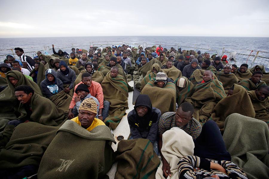 فقط در سال 2015 بیش از 137 هزار نفر از طریق دریا به کشورهای اروپای پناهنده شده اند
