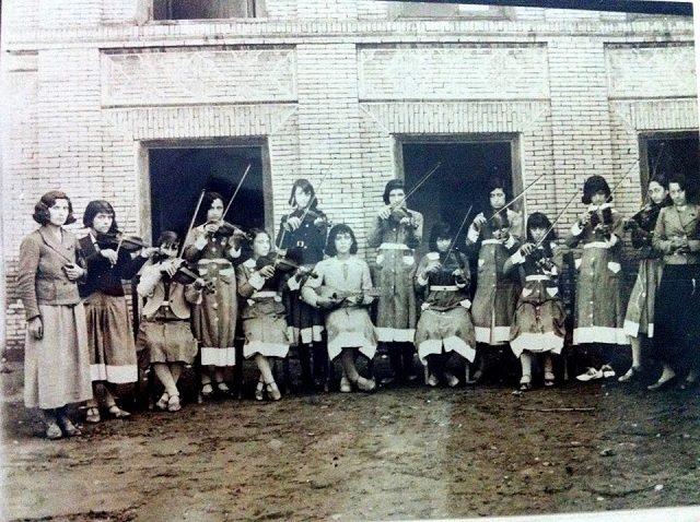 مدرسه دخترانه خوی 1310