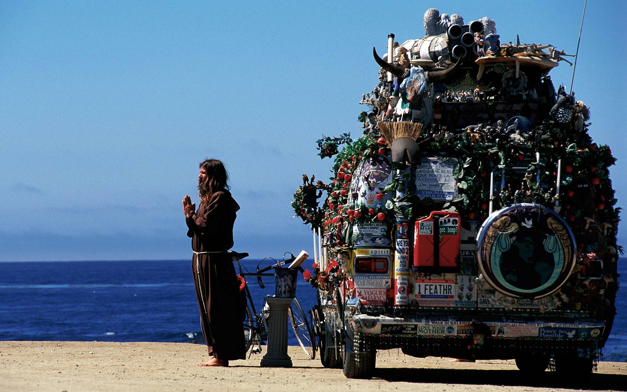 header_NEW-AGE-TRAVELLER-WITH-VAN