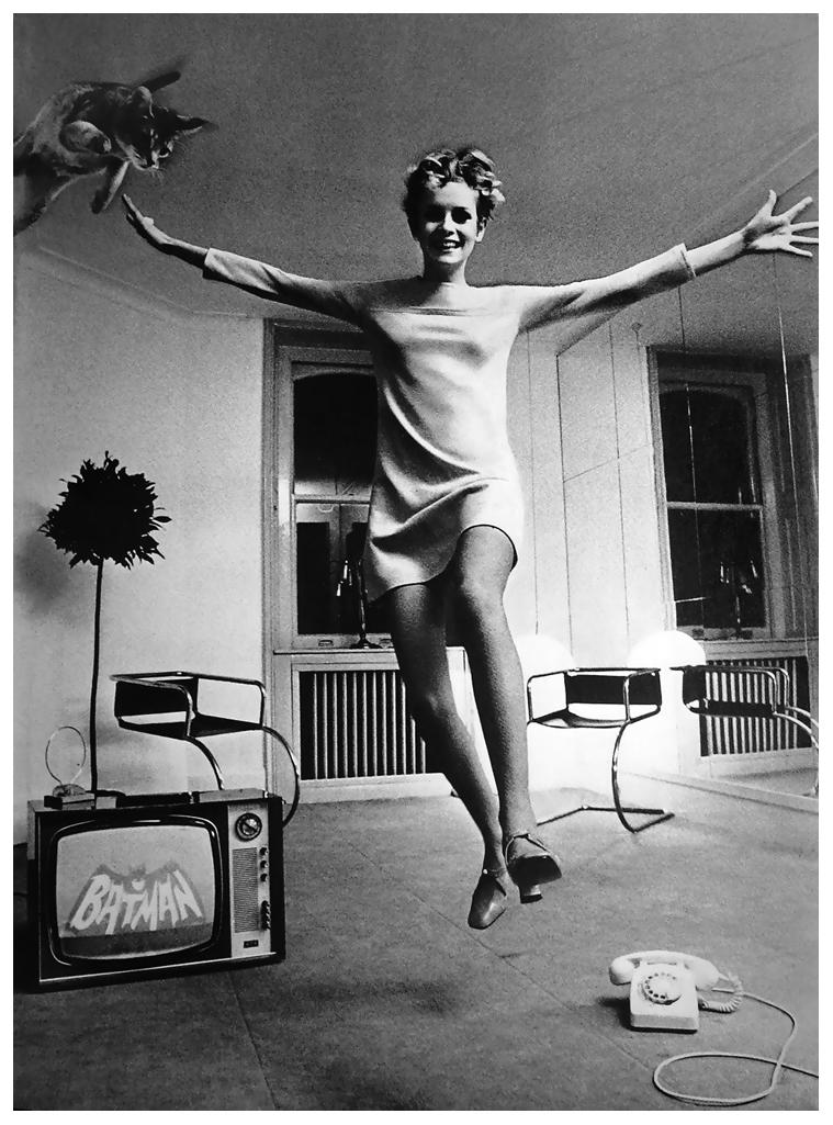 twiggy-e-la-sua-gatta-by-helmut-newton-1967-c