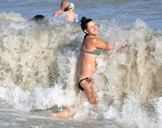 unfortunately-timed-photos-103