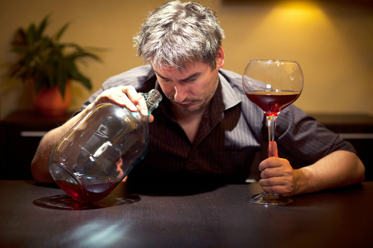 Картинка пьяных за столом