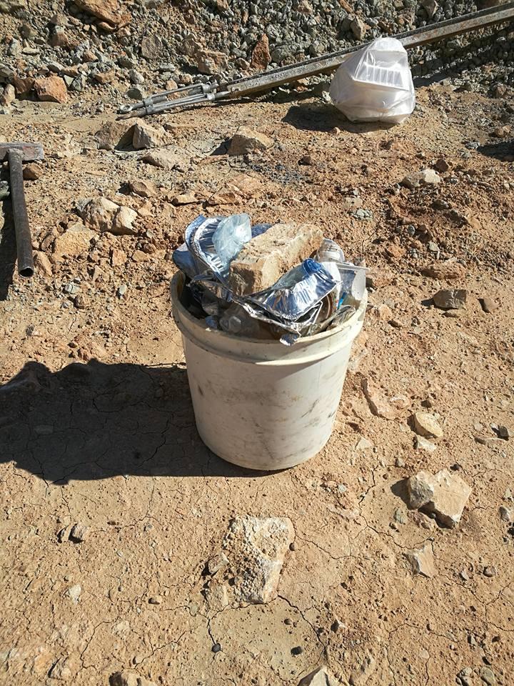 آموزش ساخت سطل زباله مهندسان ایرانی در دل طبیعت کشور - مرد روز