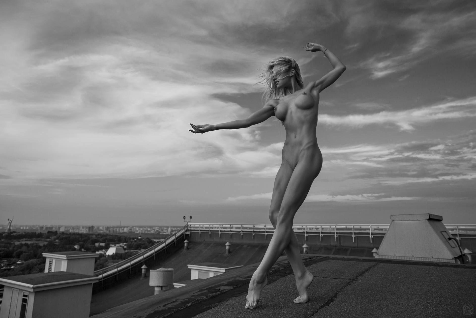 هفت عکس سیاه و سفید  هنری – بدن لخت